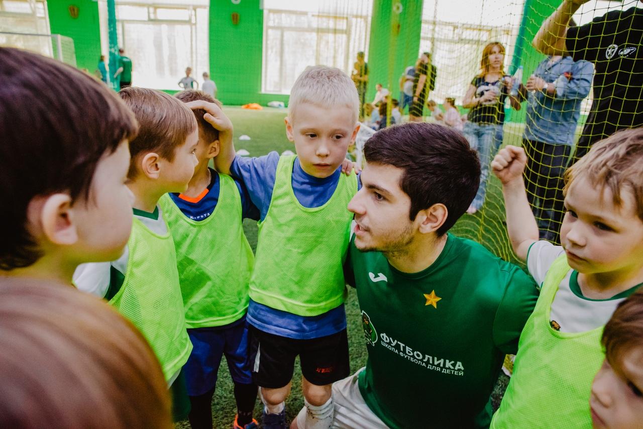 тренер футболики Киселев Николай